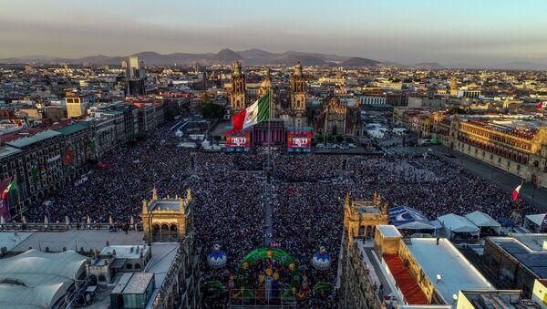 La vista aérea del Zocalo, plaza principal de Ciudad de México - Sputnik Mundo