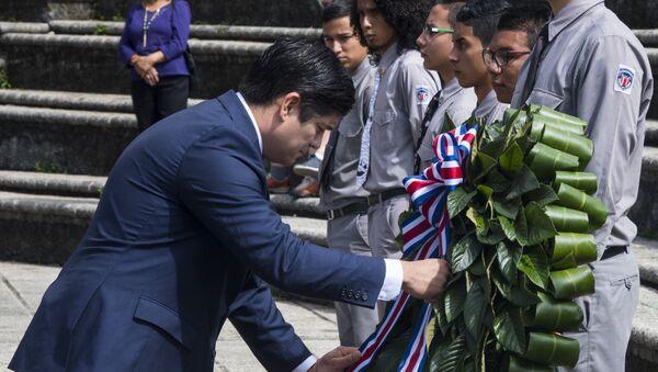 El presidente de Costa Rica, Carlos Alvarado, durante la conmemoración del 70 aniversario de la abolición del Ejército. - Sputnik Mundo