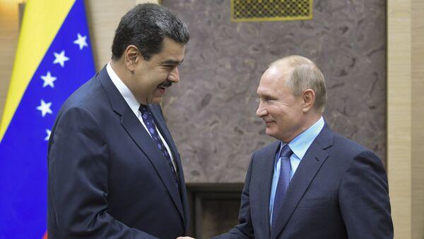 Nicolás Maduro, presidente de Venezuela; y Vladímir Putin, presidente de la Federación Rusa - Sputnik Mundo