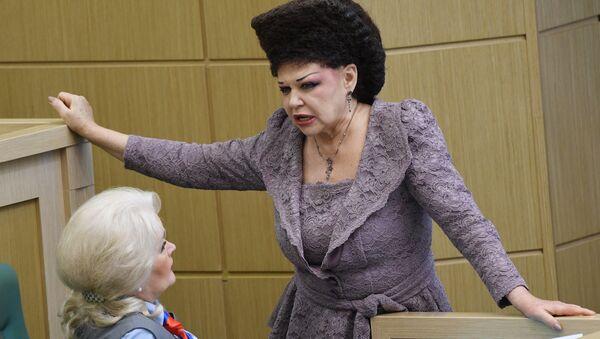 La exsenadora rusa Valentina Petrenko - Sputnik Mundo