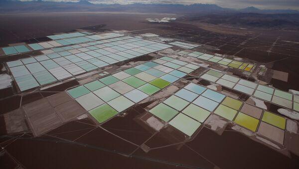 Mina de litio de SQM en el Salar de Atacama, Chile - Sputnik Mundo