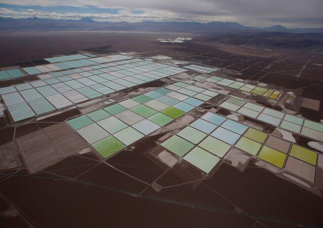 Mina de litio de SQM en el Salar de Atacama, Chile