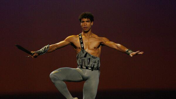 Carlos Acosta, reconocido bailarín cubano director de la compañía Acosta Danza - Sputnik Mundo