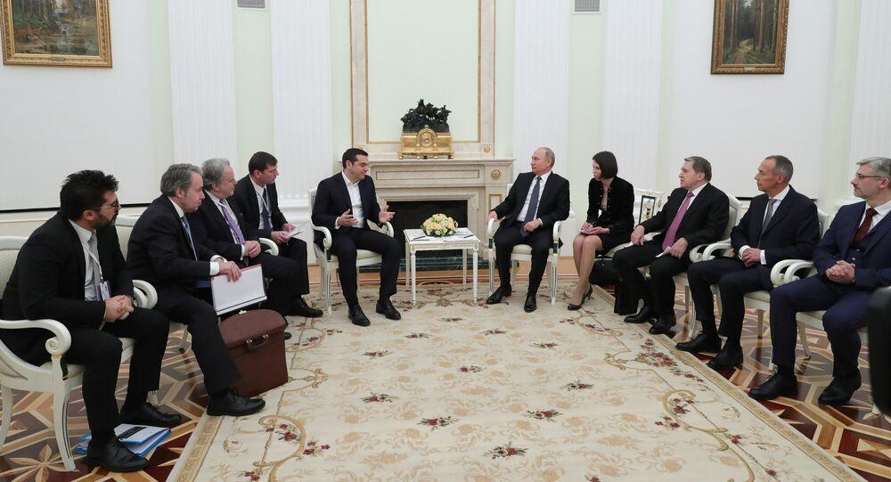 El primer ministro griego, Alexis Tsipras, y el presidente de rusia, Vladímir Putin durante la reunión en Moscú