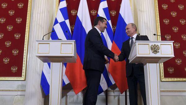 El primer ministro griego, Alexis Tsipras, y el presidente de rusia, Vladímir Putin - Sputnik Mundo