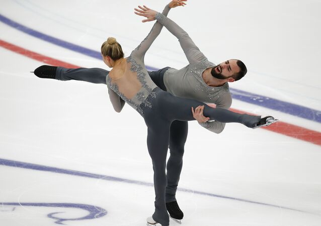 Ashley Cain y Timothy Leduc en el patinaje en parejas