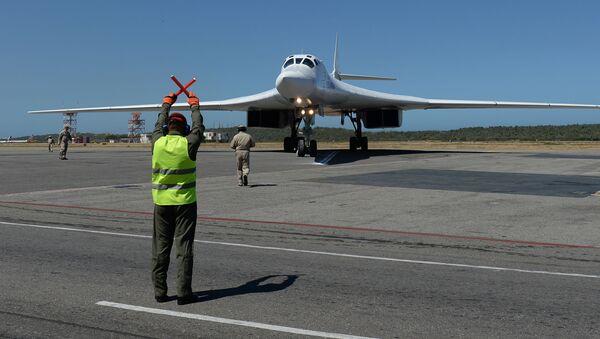 Tu-160 ruso en Venezuela - Sputnik Mundo