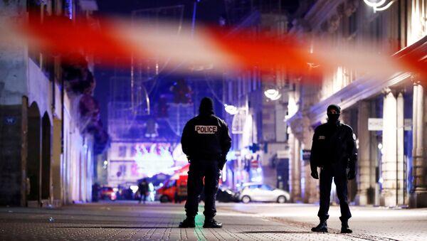 Policía en el lugar del tiroteo en Estrasburgo - Sputnik Mundo