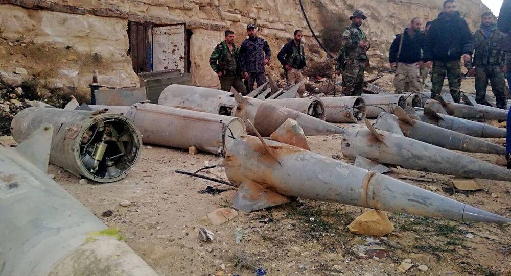 El Ejército sirio asegura que durante los últimos meses de 2018 se están encontrando al sur de Siria muchos almacenes como este