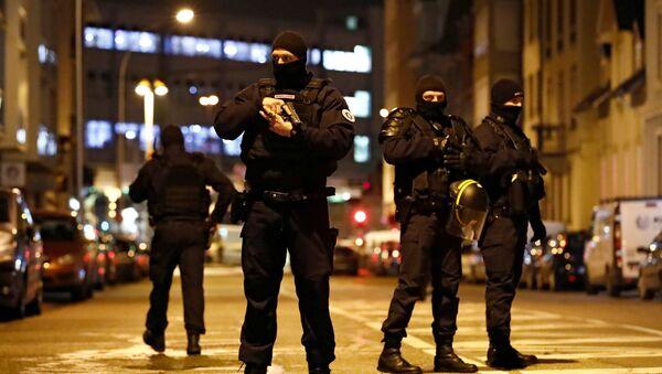 Policía especial francesa en el lugar del tiroteo en Estrasburgo - Sputnik Mundo