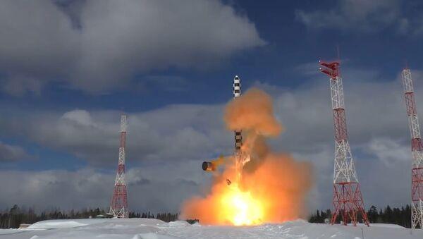Las tropas de misiles estratégicos de Rusia celebran su 59 aniversario - Sputnik Mundo