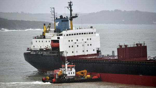 El carguero ruso Kuzma Minin cerca de la costa británica - Sputnik Mundo