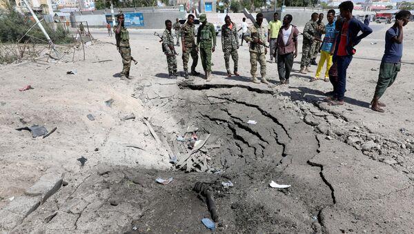 Lugar de la esxplosión en Mogadiscio, Somalia - Sputnik Mundo