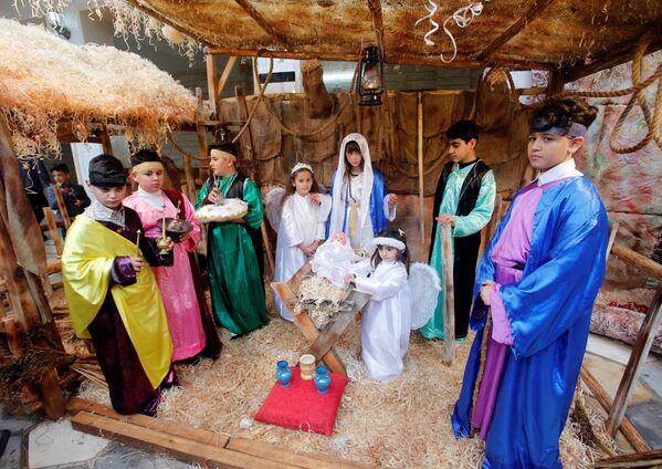 La Navidad inunda de esperanza el mundo cristiano - Sputnik Mundo
