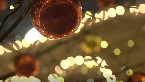 Al son de la Navidad: militares rusos hacen vibrar a la Plaza Roja con una mítica canción - Sputnik Mundo