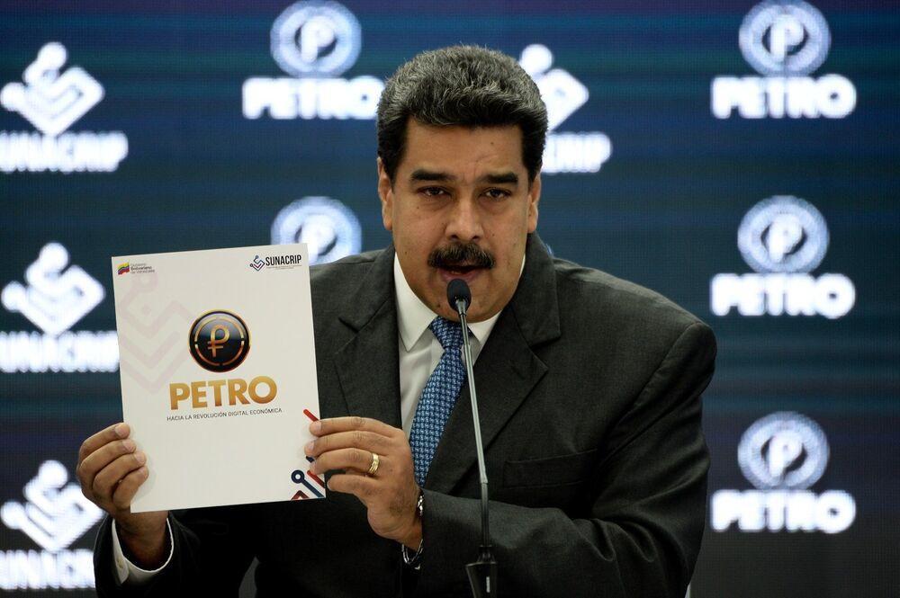Venezuela se convirtió en el primer país en emitir una criptomoneda propia el 20 de febrero. Bautizada como 'petro', la nueva divisa tiene como principal objetivo estabilizar el sistema monetario del país que sufre las graves consecuencias de las sanciones estadounidenses.