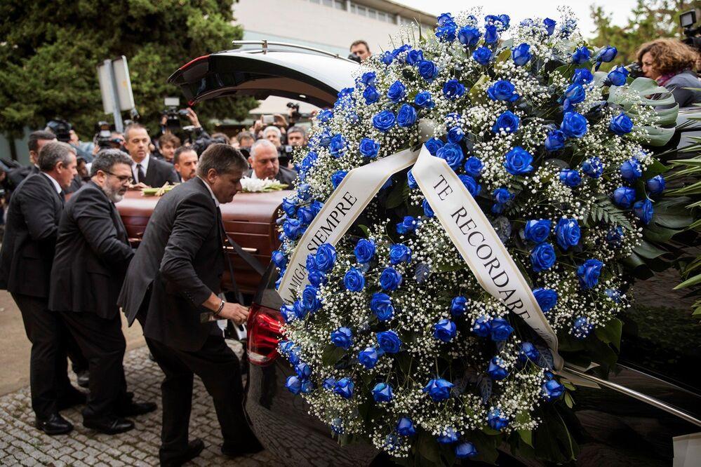 La célebre cantante lírica española Montserrat Caballé falleció el 6 de octubre en Barcelona, su ciudad natal. La soprano tenía 85 años de edad.