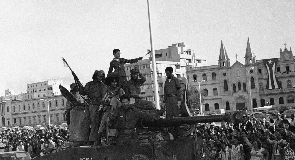 Entrada de Fidel Castro a La Habana en la caravana de victoria