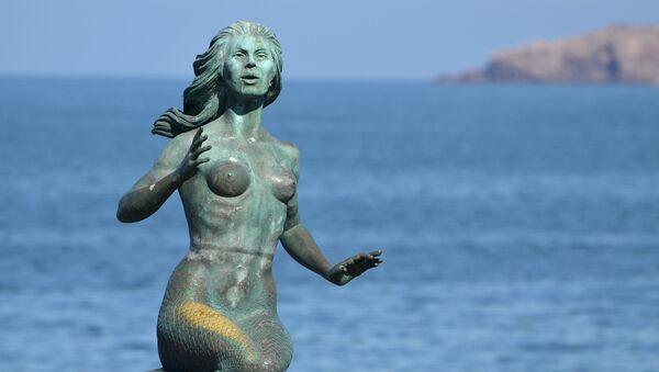 Una escultura de Sirena (imagen referencial) - Sputnik Mundo