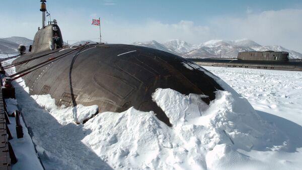 Un submarino nuclear ruso entre hielo - Sputnik Mundo