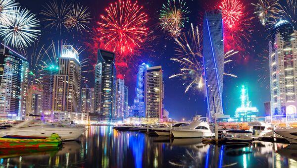 Fuegos artificiales en Dubái, foto de archivo - Sputnik Mundo
