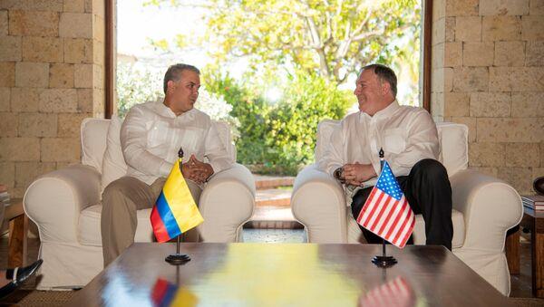 Iván Duque, presidente de Colombia, y Mike Pompeo, secretario de Estado de EEUU - Sputnik Mundo