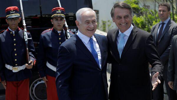 Benjamín Netanyahu, primer ministro israelí y Jair Bolsonaro, presidente de Brasil - Sputnik Mundo