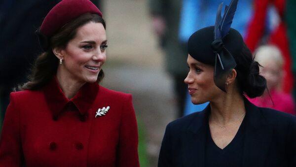 Meghan y Kate, las duquesas de Cambridge y de Sussex - Sputnik Mundo