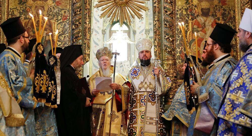 El patriarca de Constantinopla, Bartolomé, y el mitropolito Epifani durante una misa en Istambul