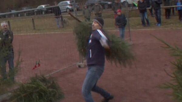 ¿Ya has tirado el árbol de Navidad? Los alemanes tienen una manera original de hacerlo - Sputnik Mundo