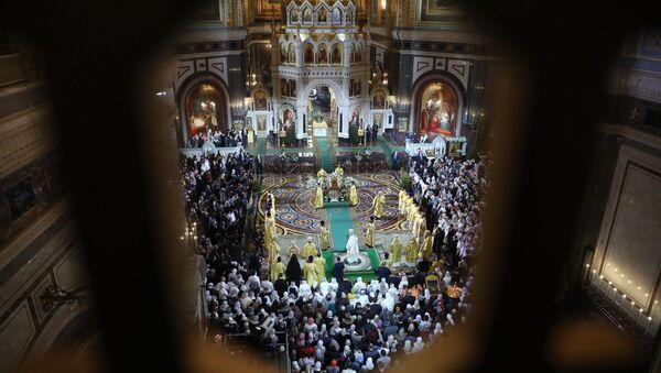 La misa de la Navidad ortodoxa en la catedral moscovita de Cristo Salvador - Sputnik Mundo