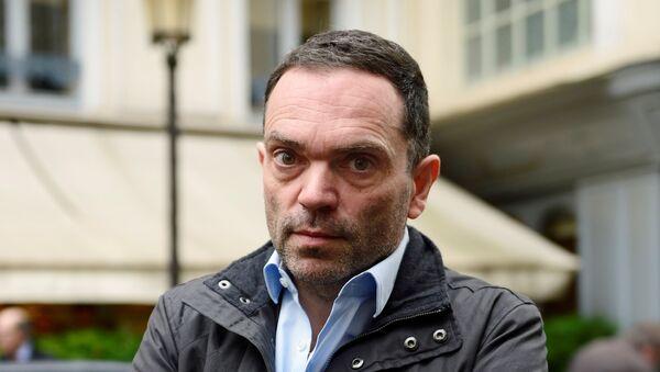 El escritor francés Yann Moix - Sputnik Mundo