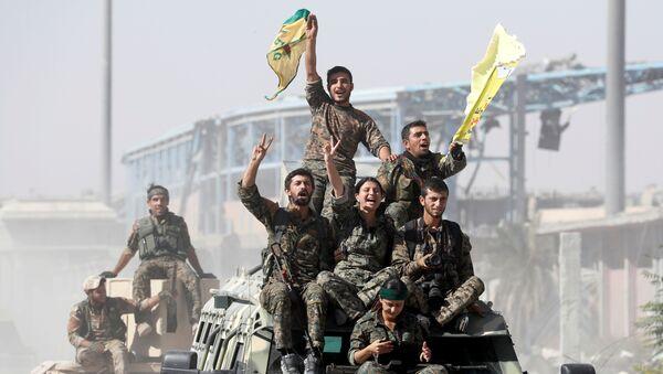Las milicias kurdas - Sputnik Mundo