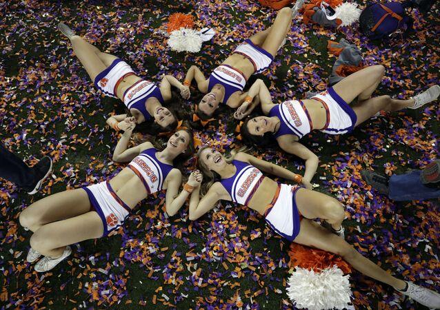 'Cheerleaders', nieve y leones: las fotos más llamativas de la semana
