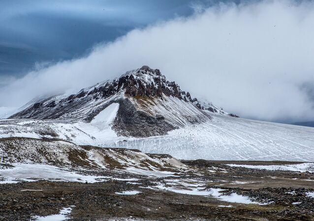 Una isla en el océano Glacial Ártico (archivo)