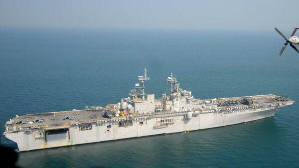 USS Kearsarge, buque de asalto anfibio de la Armada de EEUU (archivo) - Sputnik Mundo