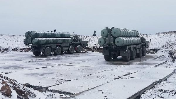 Sistemas de defensa antiaérea S-400 - Sputnik Mundo
