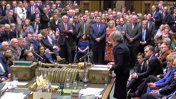 Theresa May, primera ministra del Reino Unido, en el Parlamento - Sputnik Mundo
