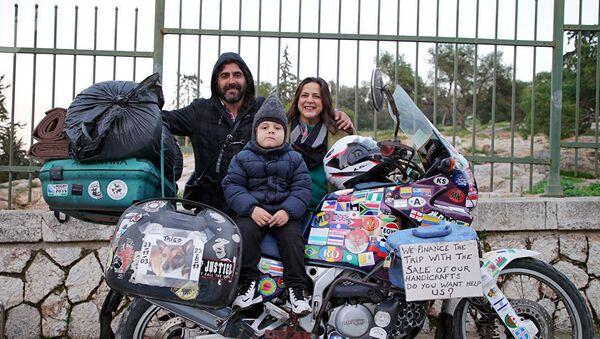 La familia argentina que viaja al mundo desde hace años - Sputnik Mundo