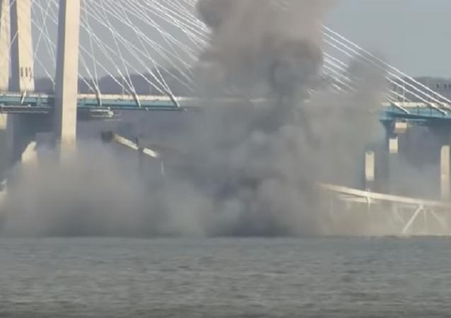 Demuelen el emblemático puente Tappan Zee en Nueva York
