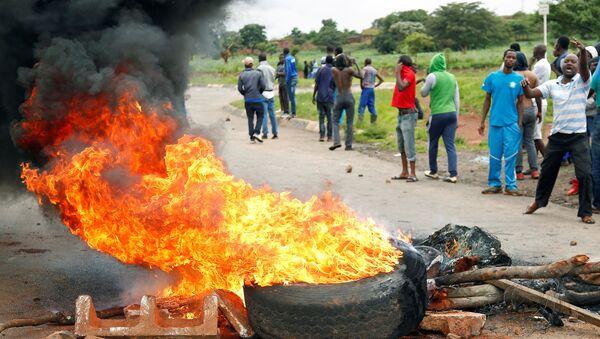 Protestas en Zimbabue - Sputnik Mundo