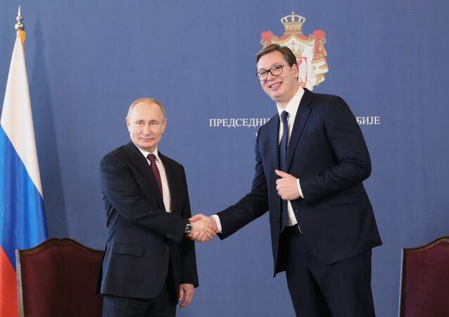 El presidente ruso, Vladímir Putin, y el presidente serbio, Aleksandar Vucic