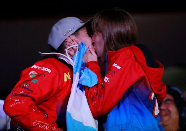 Nicolás Cavigliasso y su novia, Valentina Pertegarini