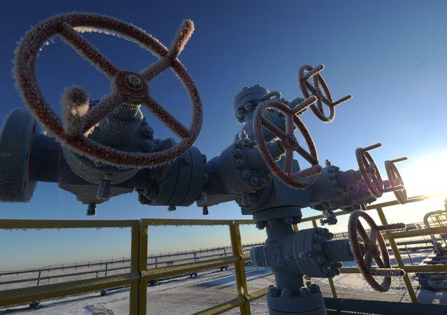 Tuberías situadas en un yacimiento de gas de Rusia