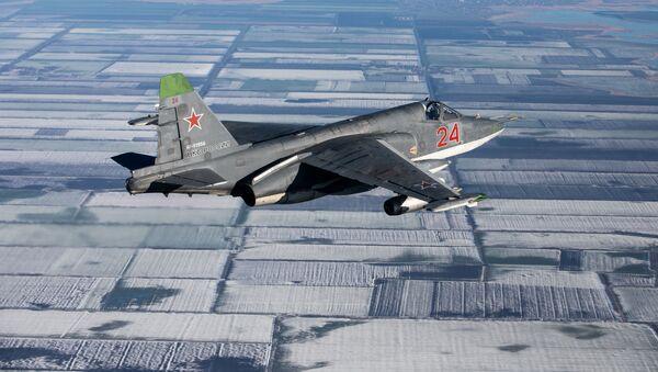 Штурмовик Су-25СМ3 во время лётно-тактических учений в Краснодарском крае - Sputnik Mundo