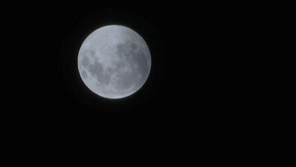 Así fue el espectacular eclipse de la luna de sangre - Sputnik Mundo