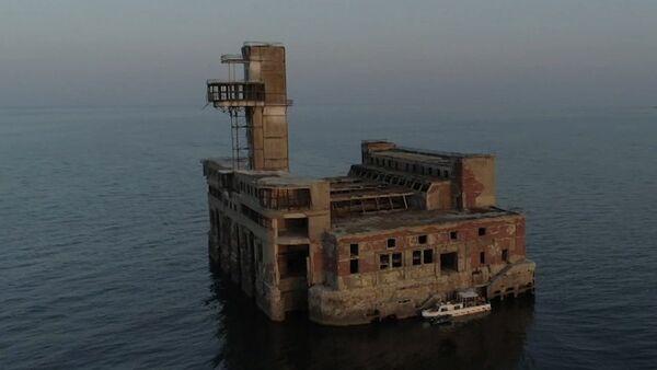La misteriosa fortaleza soviética abandonada en el Caspio - Sputnik Mundo
