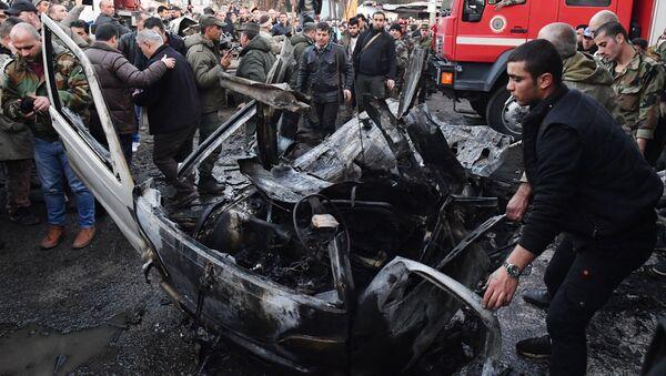 Explosión de un coche bomba en Latakia - Sputnik Mundo