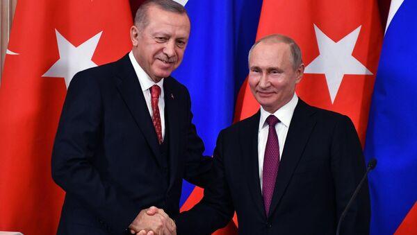 El presidente de Turquía, Recep Tayyip Erdogan, y el presidente de Rusia, Vladímir Putin - Sputnik Mundo