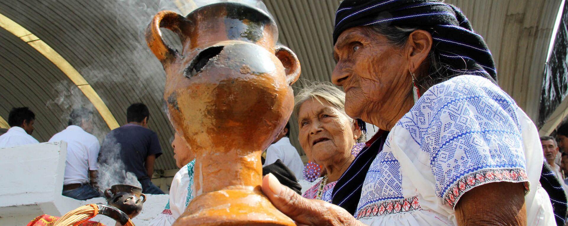 Los representantes de las comunidades indígenas en Ciudad de México (imagen referencial) - Sputnik Mundo, 1920, 12.10.2020